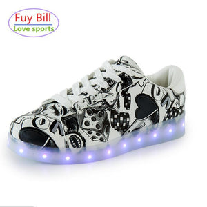2017 NEW Glowing Sneakers men Street graffiti Shoe chaussure fille Led Light up Glowing Shoe hombre shoes