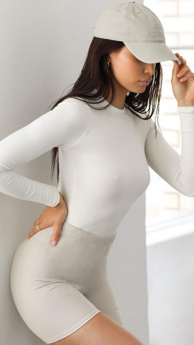 Crewneck Long Sleeve - ONFEMME By Lindsey's Kloset