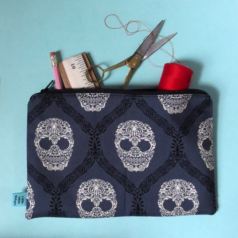 Fancy Skulls Big Zipper Pouch