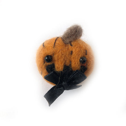 Needlefelt Pumpkin Halloween Pin - Gold Crow Co.