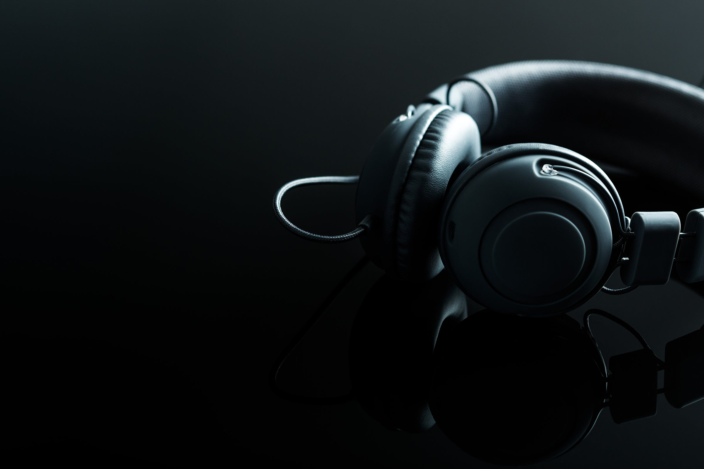 10 Things You Need to Know Before Buying Headphones