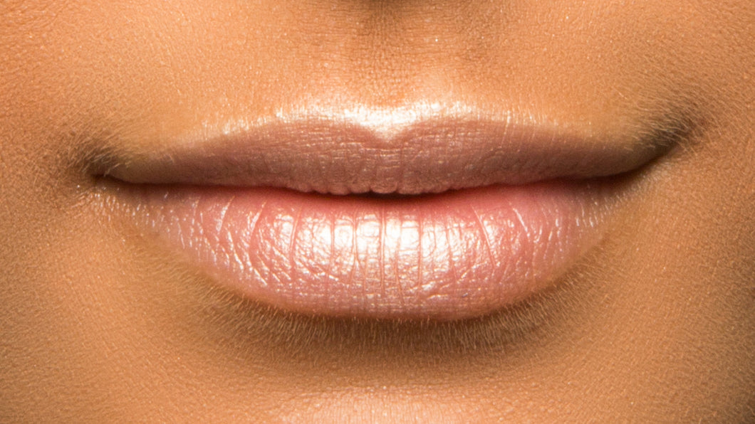 Apply this pink pearl lip highlighter any way you'd like, but cupids bow and center of lips are a must. wear with or without lipstick for a natural glowy look.