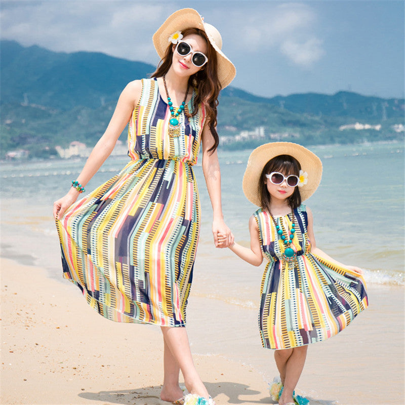 New Summer Family Matching Outfits Mother and Daughter Colorful Striped Dresses Mom Daughter Chiffon Beach Dress Family Clothes