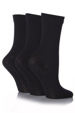 Soft, breathable bamboo socks for menopause hot flushes.