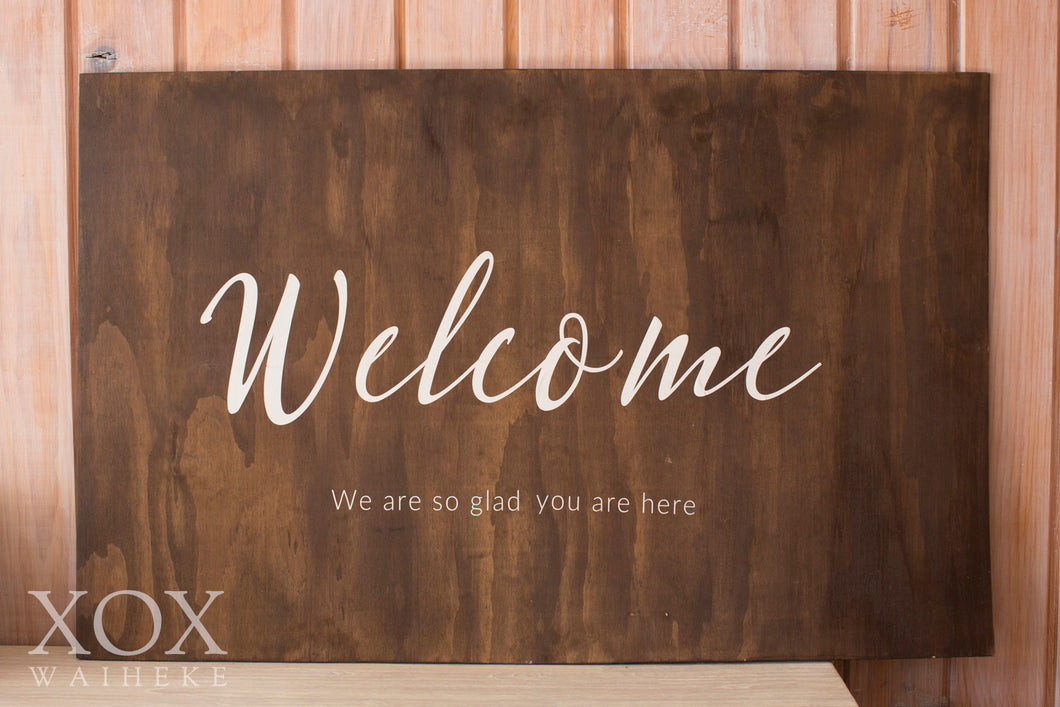 "Wooden Sign ""Welcome"""