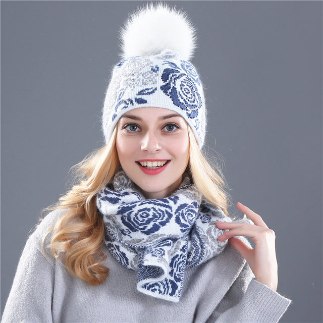 2 Piece Wool Hat and Scarf with Rose Pattern