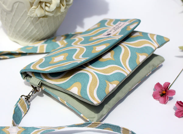 Sea Foam Lantern Double Pocket Cross-Body