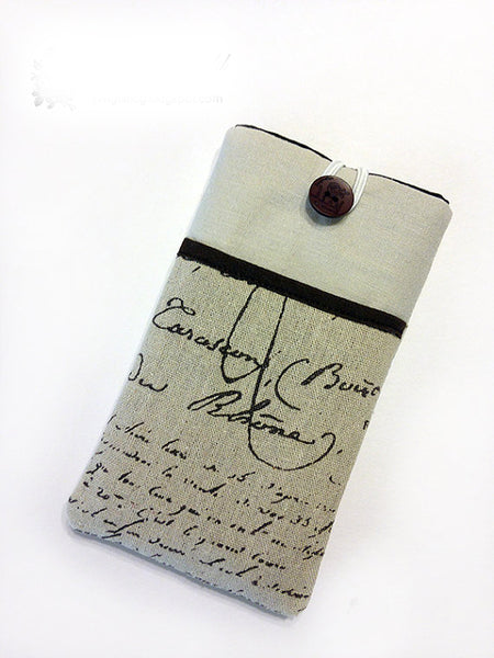 French Calligraphy Smartphone Sleeve