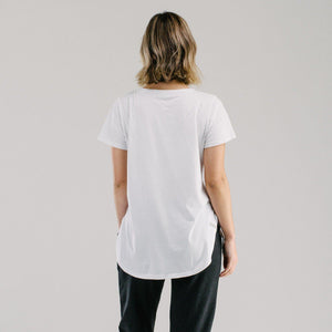White long t-shirt with scoop hem back