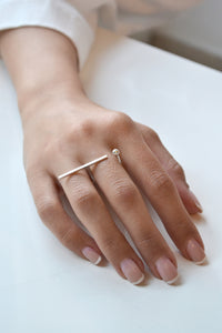 Long bar orb open ring - Silver