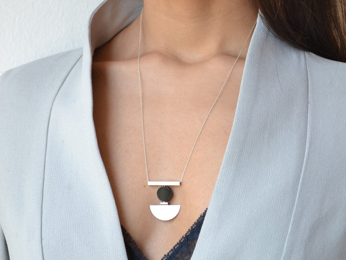 Textured Geo onyx necklace - Silver