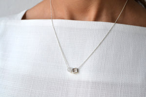 Square agate bead necklace - Silver