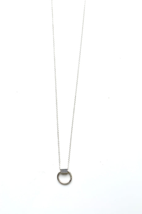 DAINTY RECTANGLE HOOP NECKLACE - SILVER