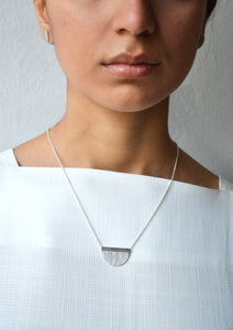 Luna textured necklace - Silver