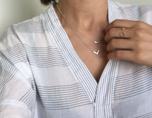 V necklace - Silver