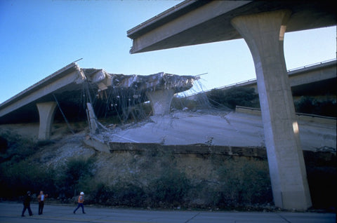 What makes Los Angeles prone to earthquakes?