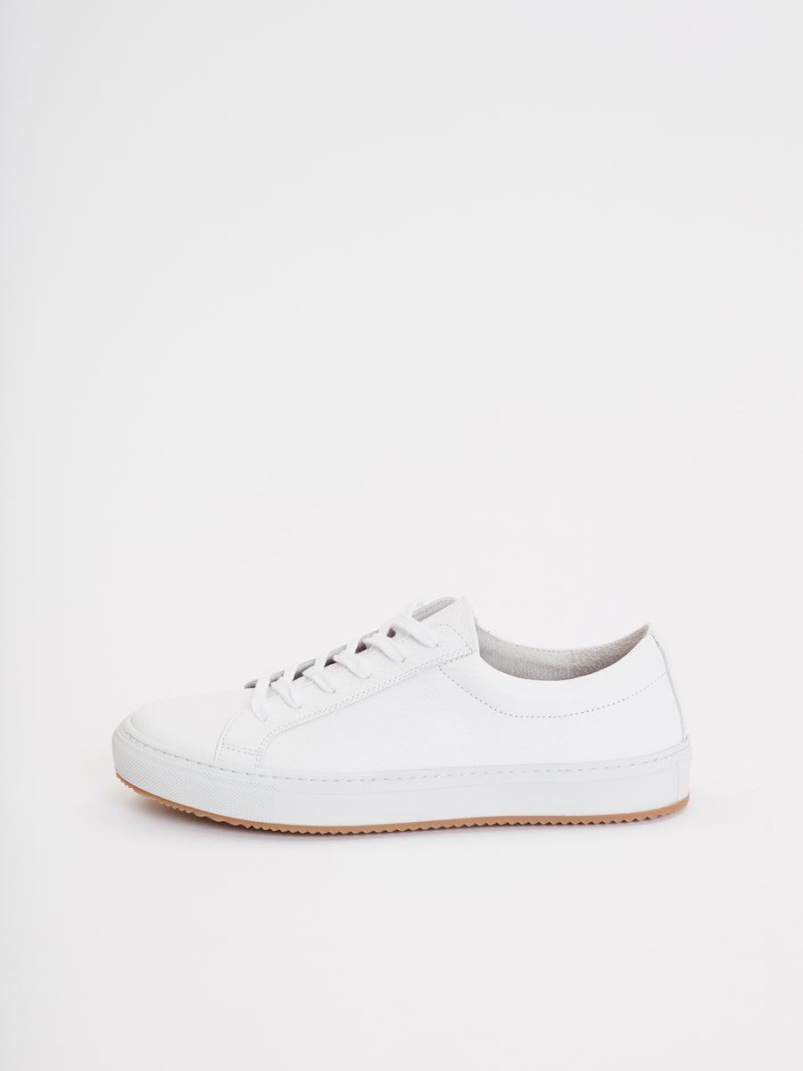 Resort Classic Sneakers | White