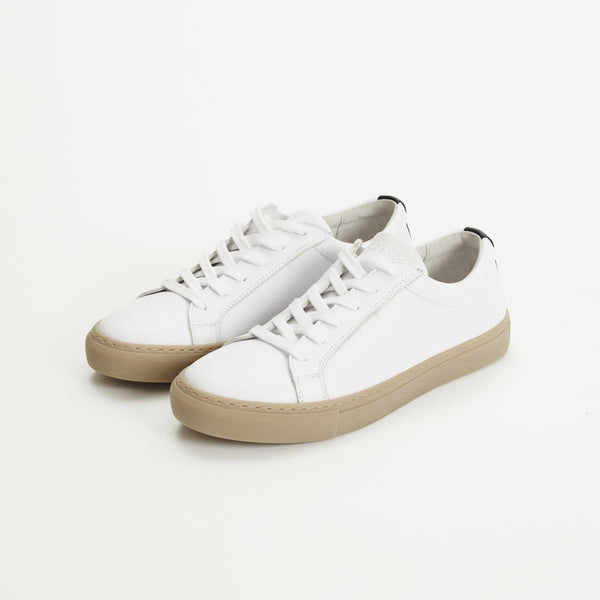 Legends Resort Classic Sneakers in white leather with gum sole