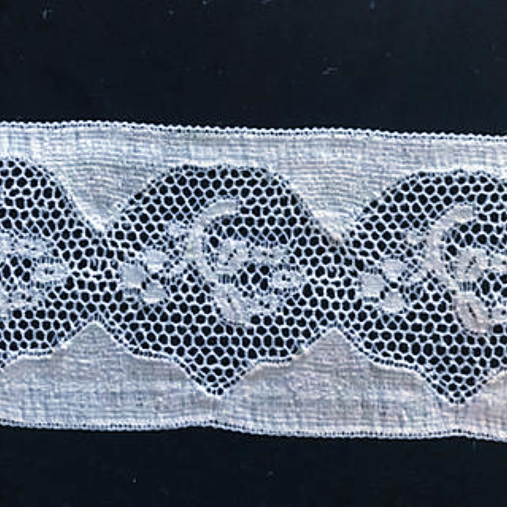 L-183 White - Lace Insertion - 52mm Enclosed Floral Design.