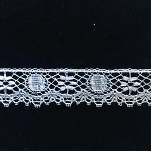 L-192 White - Lace Edging - 20mm Flower and Circle Design.