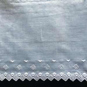 E-139A White and Ecru - 160mm Embroidered Edging.