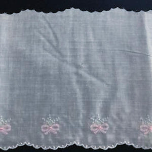 E-934 White, Blue and Pink - 150mm Handloom Edging.