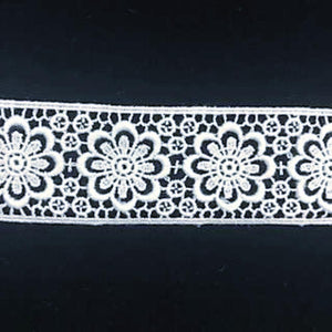E-674 White - 30mm Swiss Cotton Embroidery Insertion.
