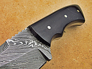 SK-279, Custom Handmade 5.4 Inches Damascus Steel Skinner Knife - Beautiful Buffalo Horn Handle