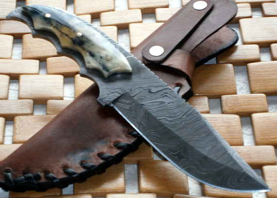 BC-224, Custom Handmade Damascus Steel Knife- Stunning Easy Grip Handle