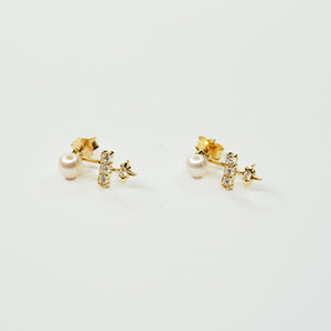 Star Pearl Stud Earrings Gold