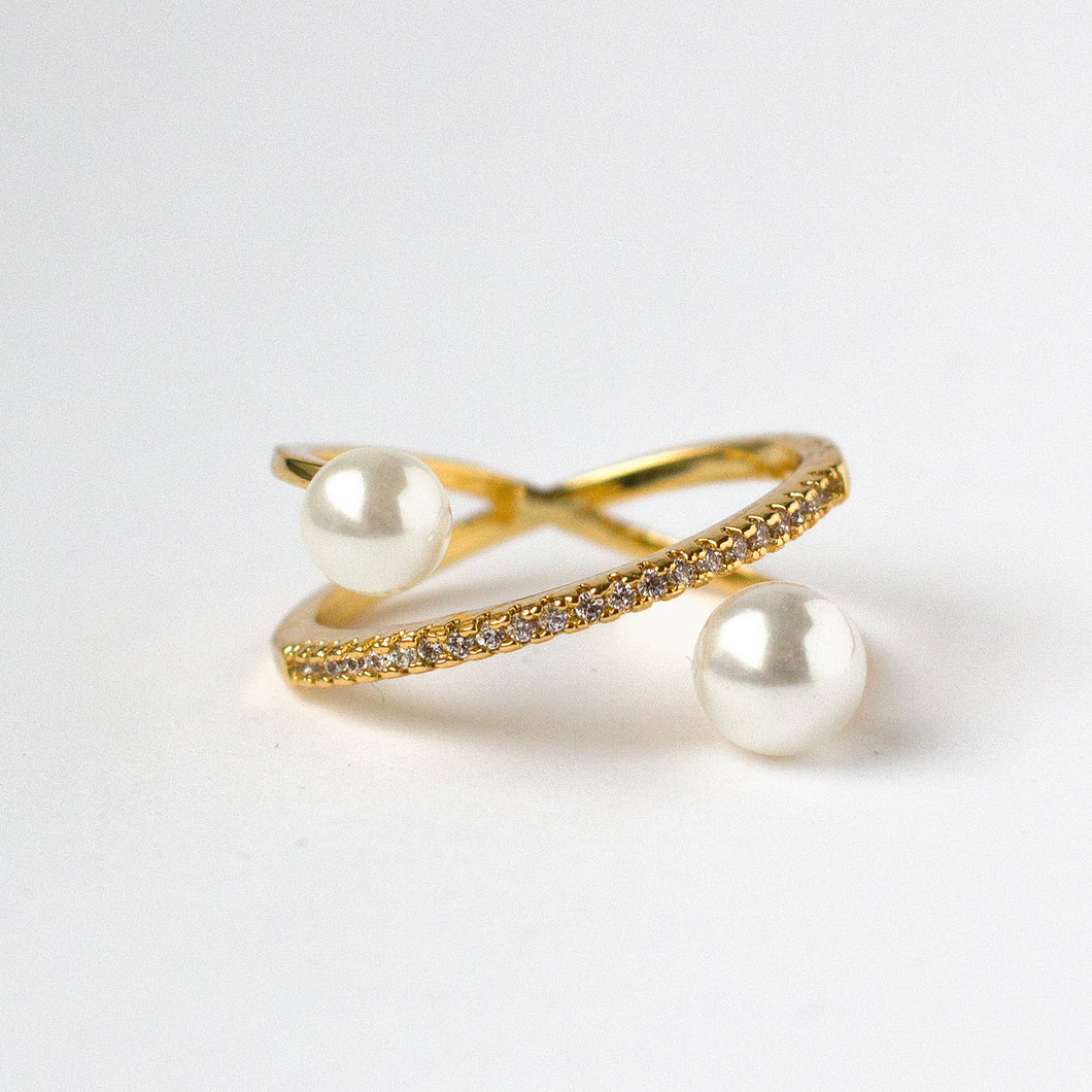 Gold Ring with Pearl