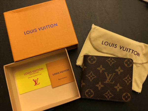 replica-Louis-Vuitton-MARCO-WALLET-M62288-motivations-for-luxury-life