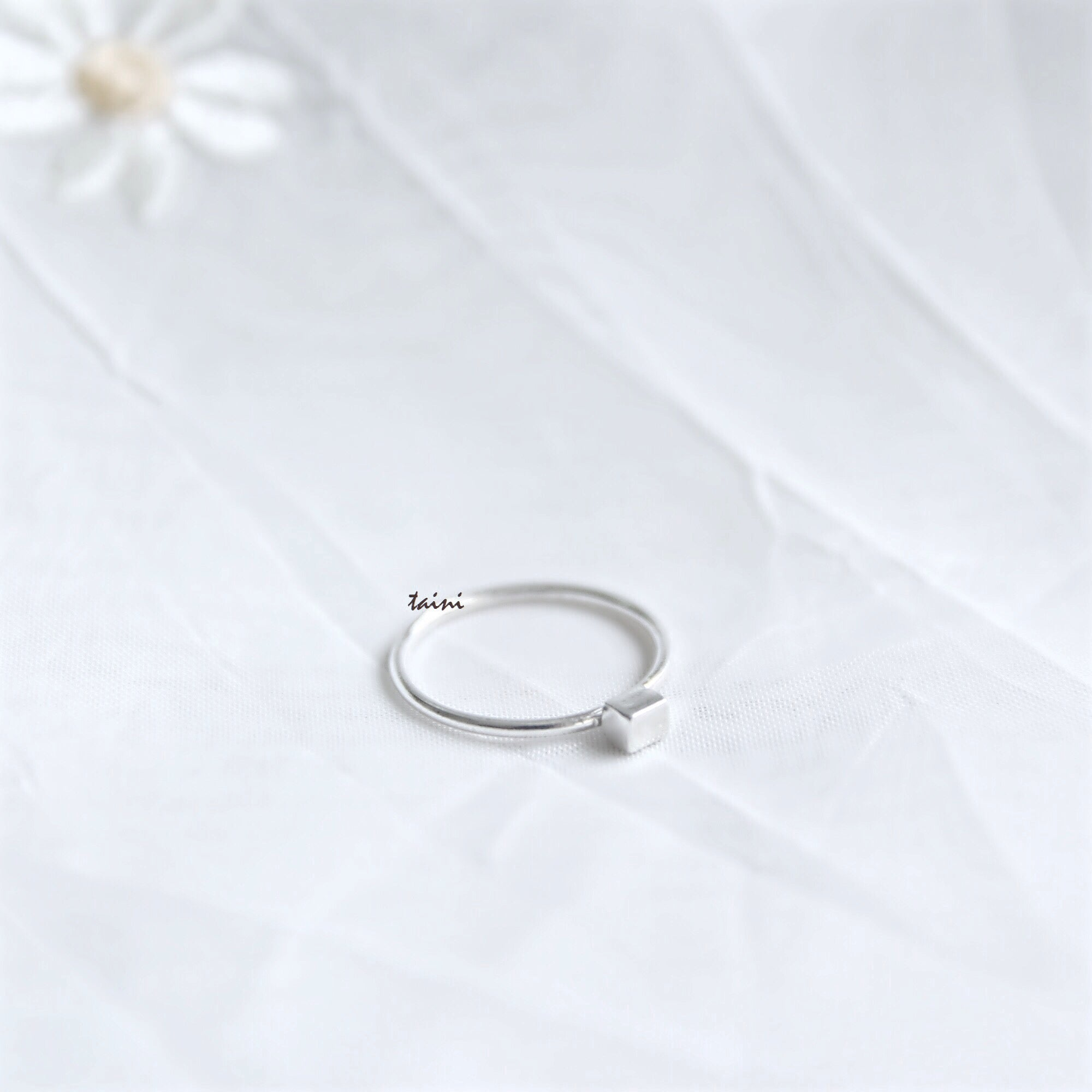TAINI SILVER - CUBE RING
