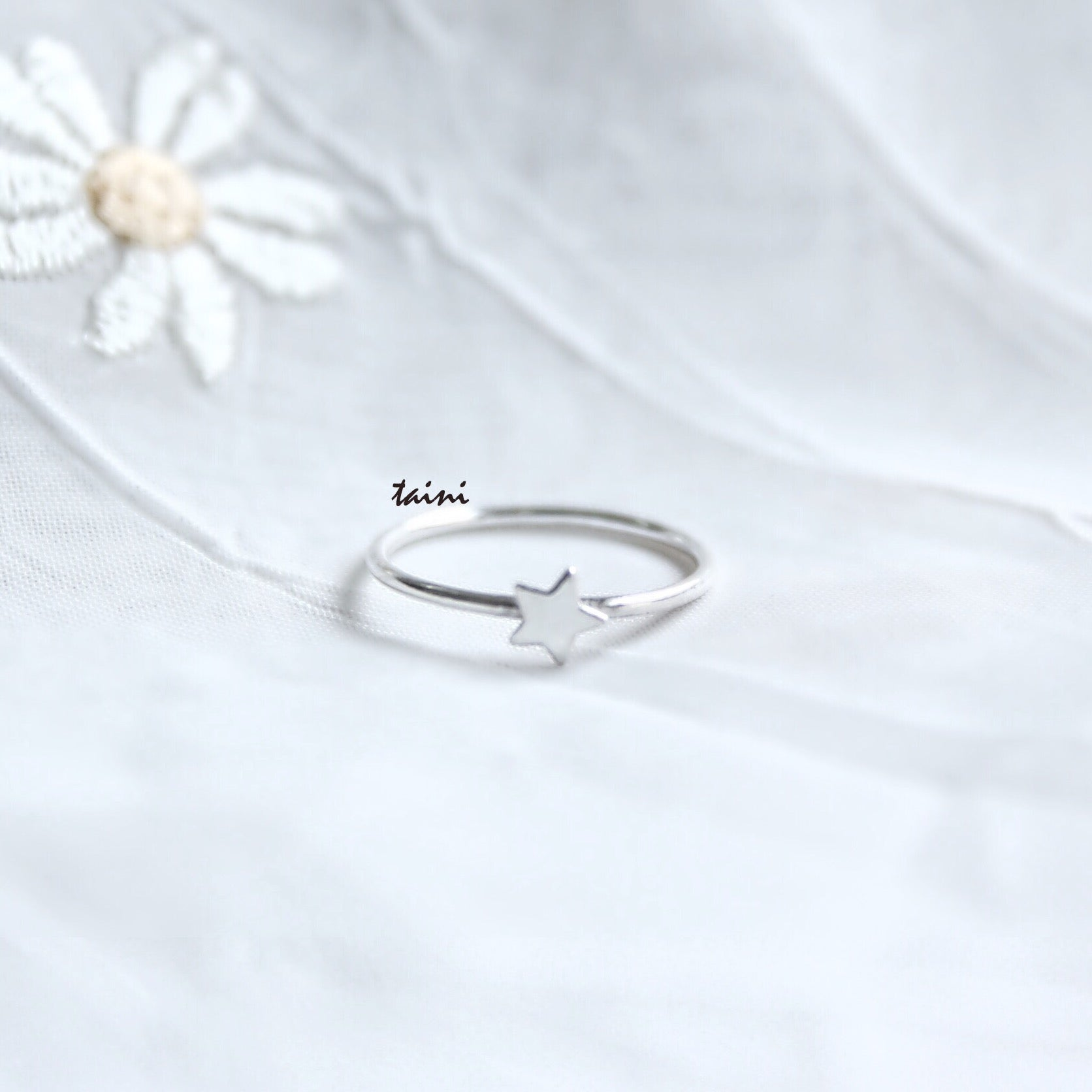 TAINI SILVER - STAR RING