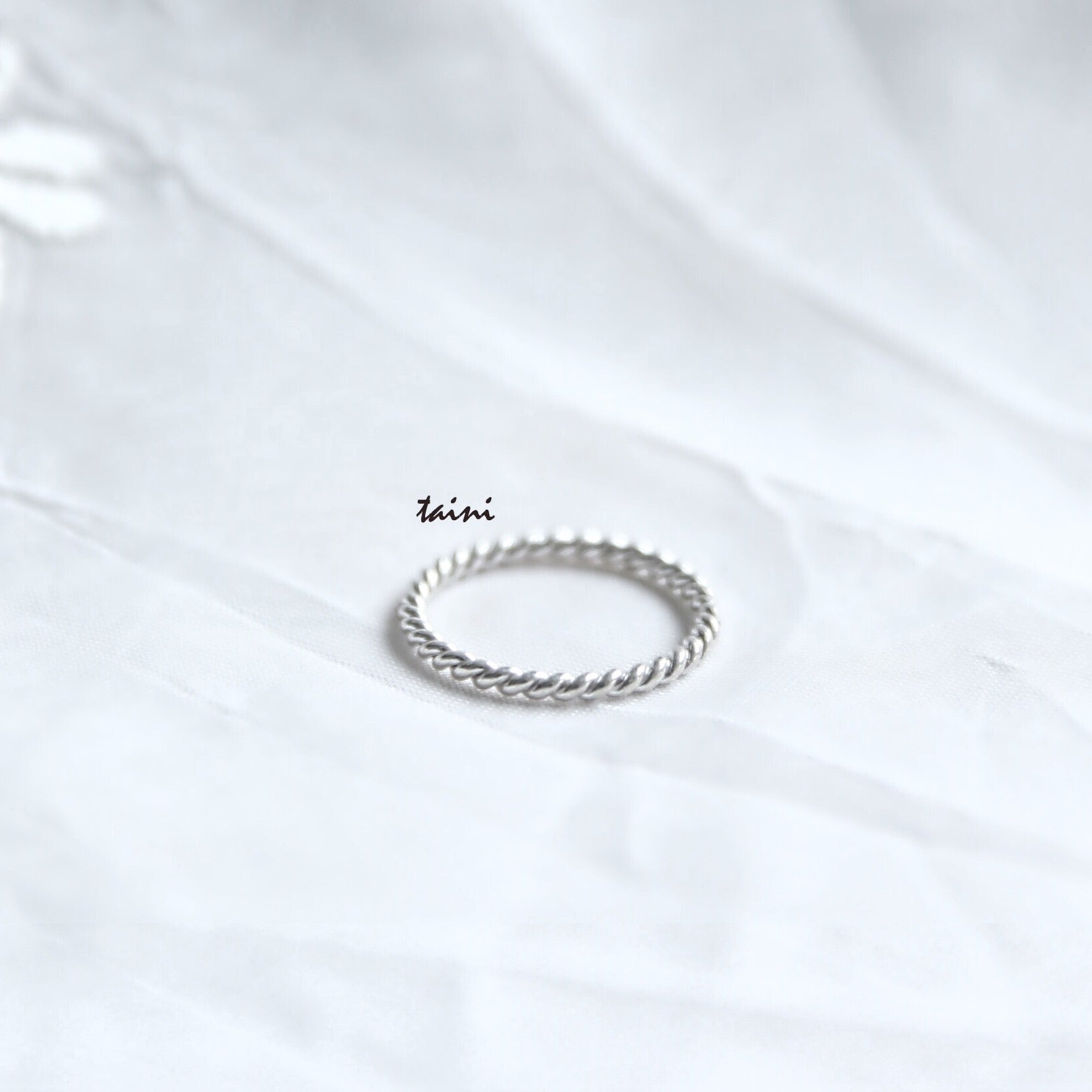 TAINI SILVER - TWISTED RING