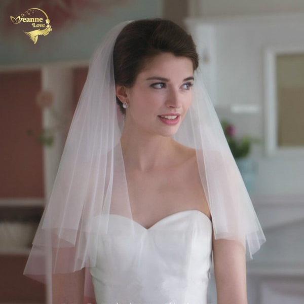2018 Short Veil With Comb Wholesale Simple Tulle Wedding Veils Two Layer Bridal Accesories White Wedding Veil ACCESSORIES OV100