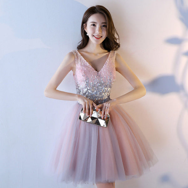 2018 New Elegant Homecoming Dresses V-neck Appliques Sequined Pink Party Dresses Backless Lace Up Coctel Dress robe de soiree