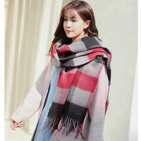 Autumn and winter British style lattice patten the new hot women's elegant generous simple temperament noble elegant scarf
