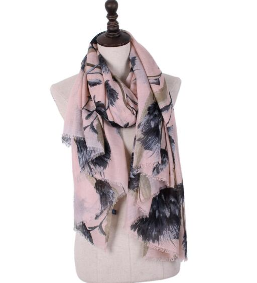 2018 Twill Cotton Spring Scarf women Bohemia Thailand Style  with Tassels Shawls and Capes Scarves bandana
