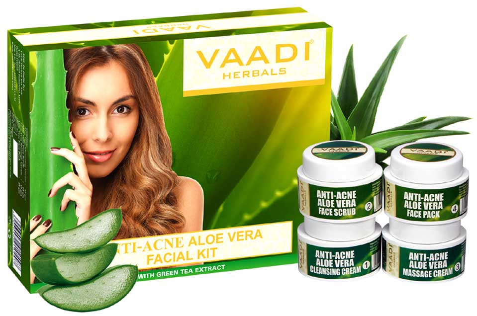 Anti-Acne Aloe Vera Facial Kit with Green Tea Extract (70 gms)