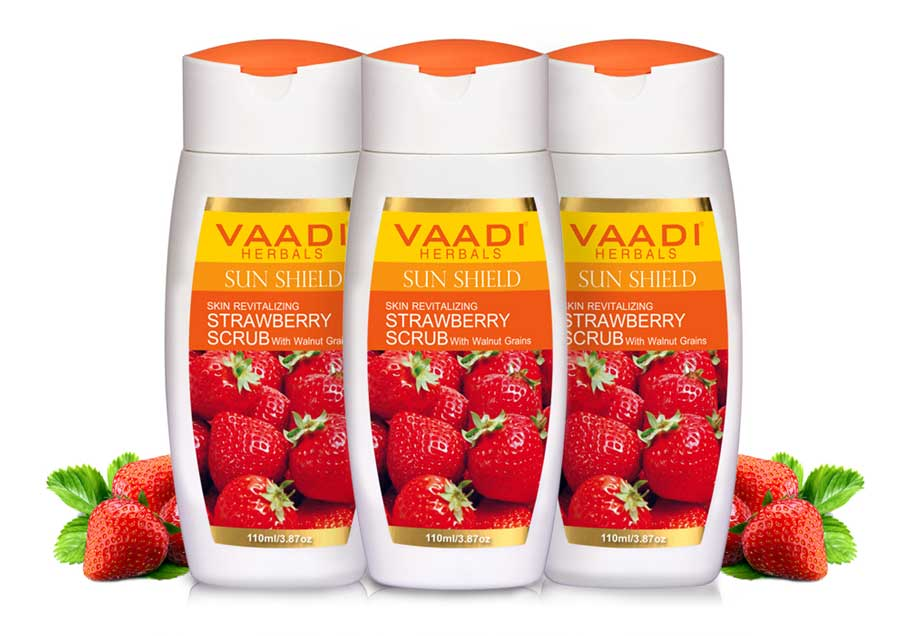 Pack of 3 Strawberry Scrub Lotion With Walnut Grains (110 ml x 3)