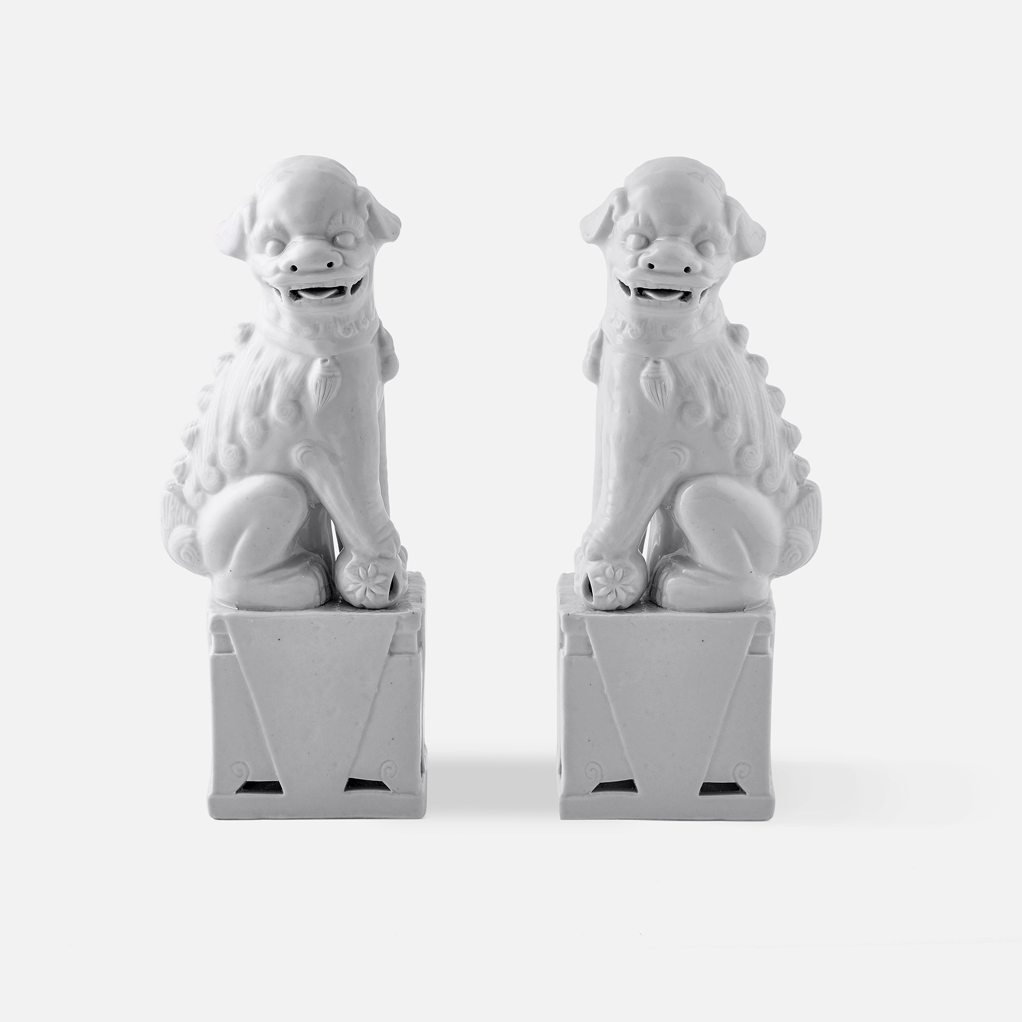 White Foo Dogs, Pair