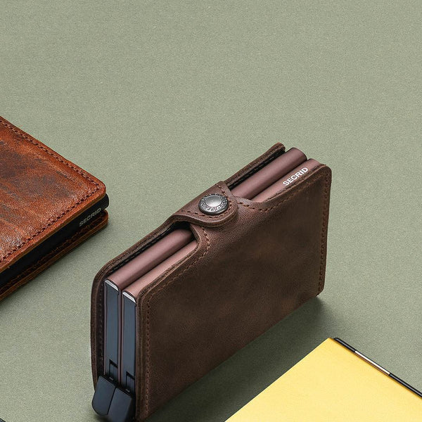 TWIN WALLET <br> VINTAGE CHOCOLATE