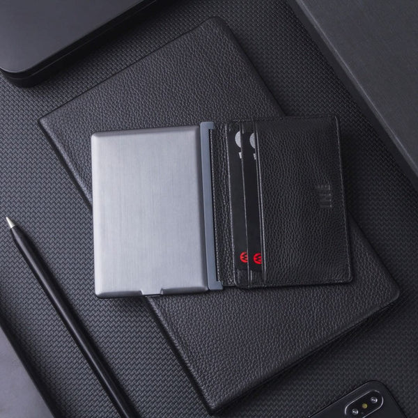 INÉ WALLET X FR-BG <br> WITH BUILT-IN POWERBANK <br> BLACK