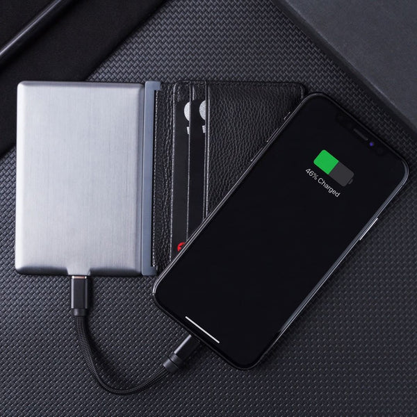 INÉ WALLET <br> WITH BUILT-IN POWERBANK