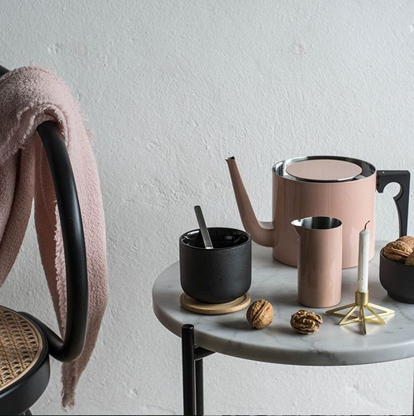 TEAPOT 1.25 L <br>  POWDER PINK