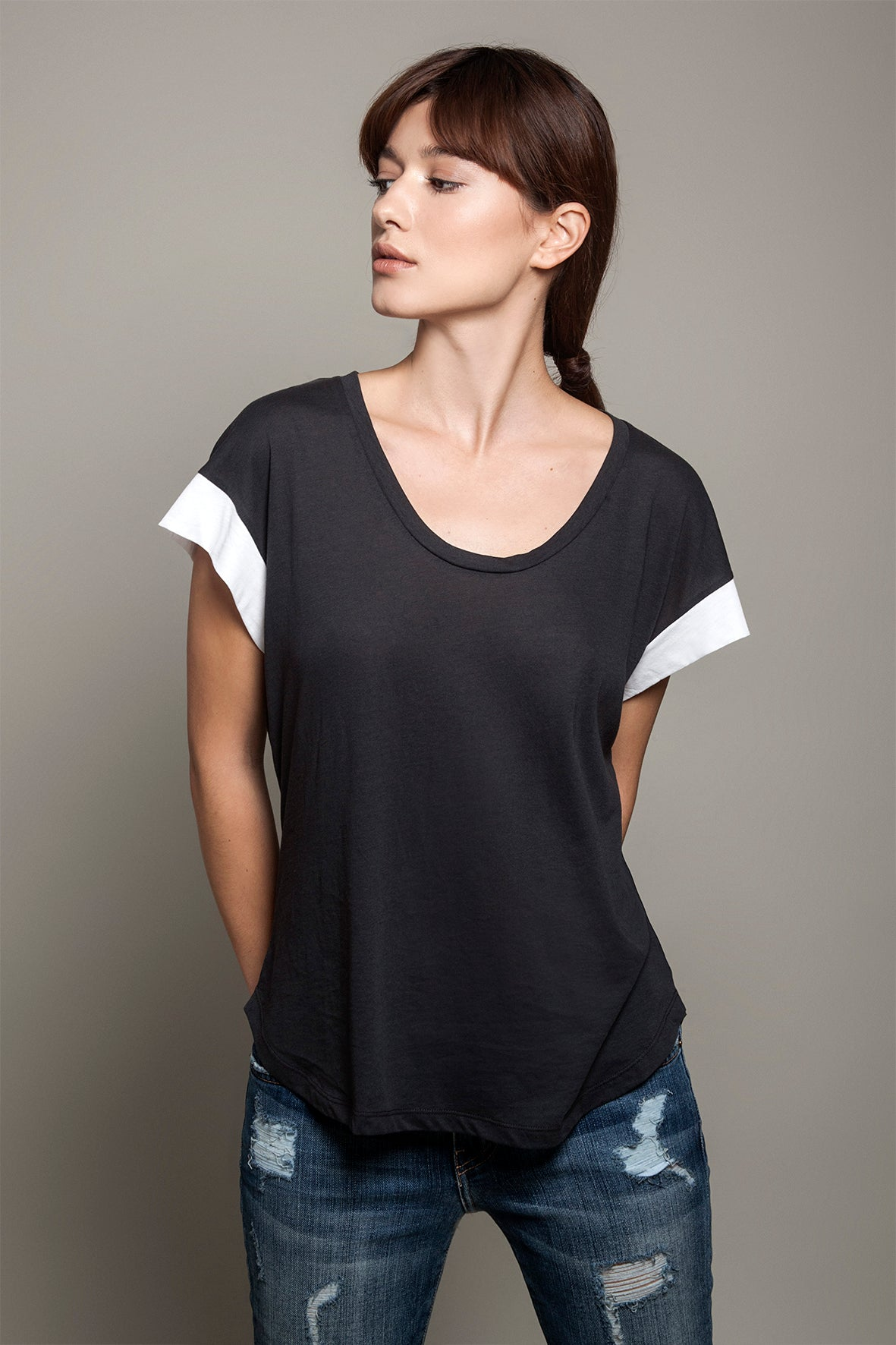 Round Neck Color Block Tee Charcoal