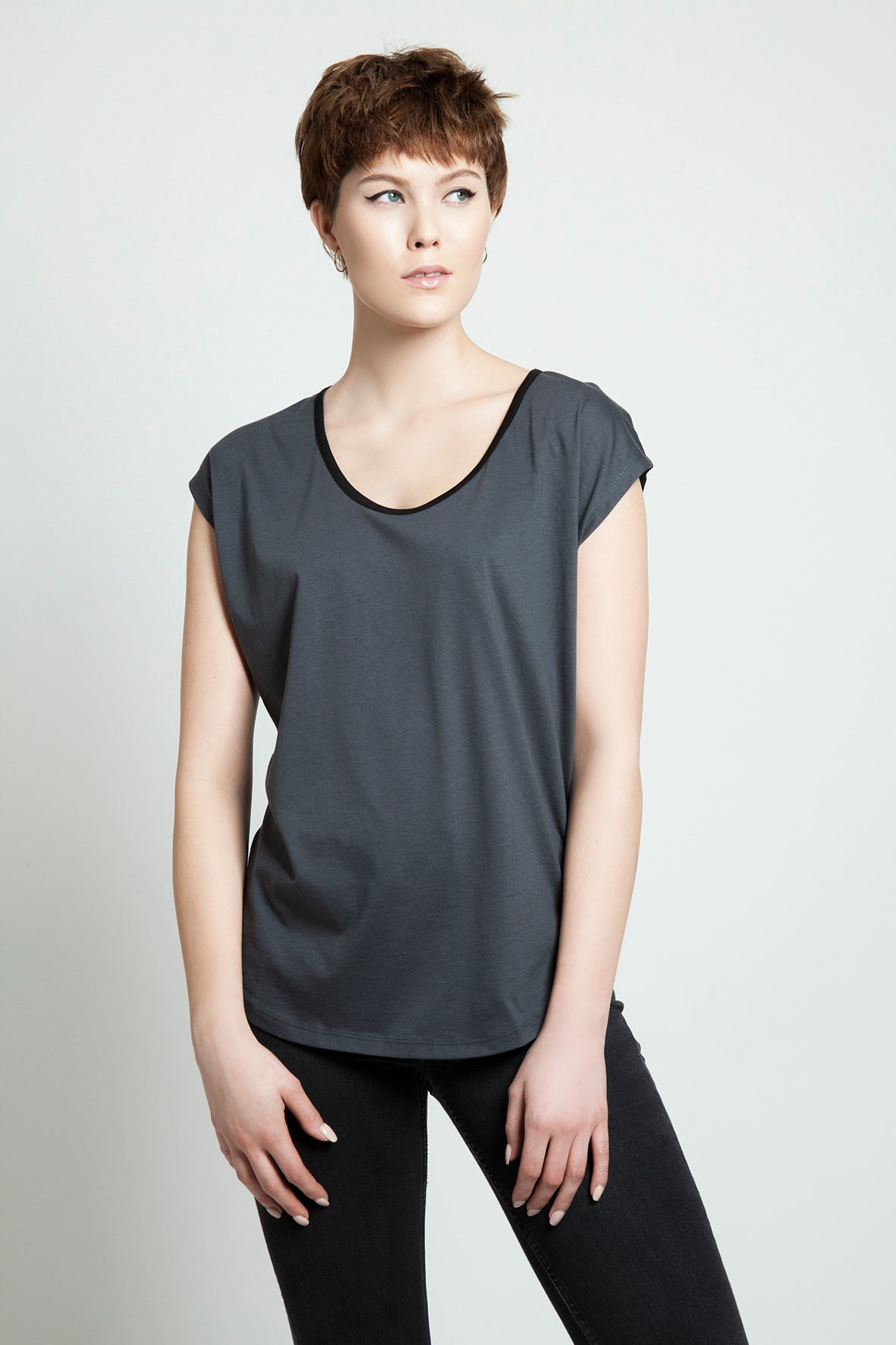 Basic Round Neck Tee Anthracite