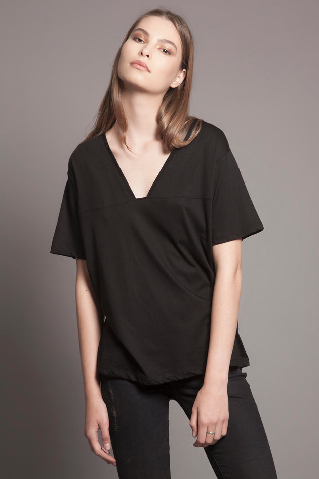 Basic Deep-V Tee Black
