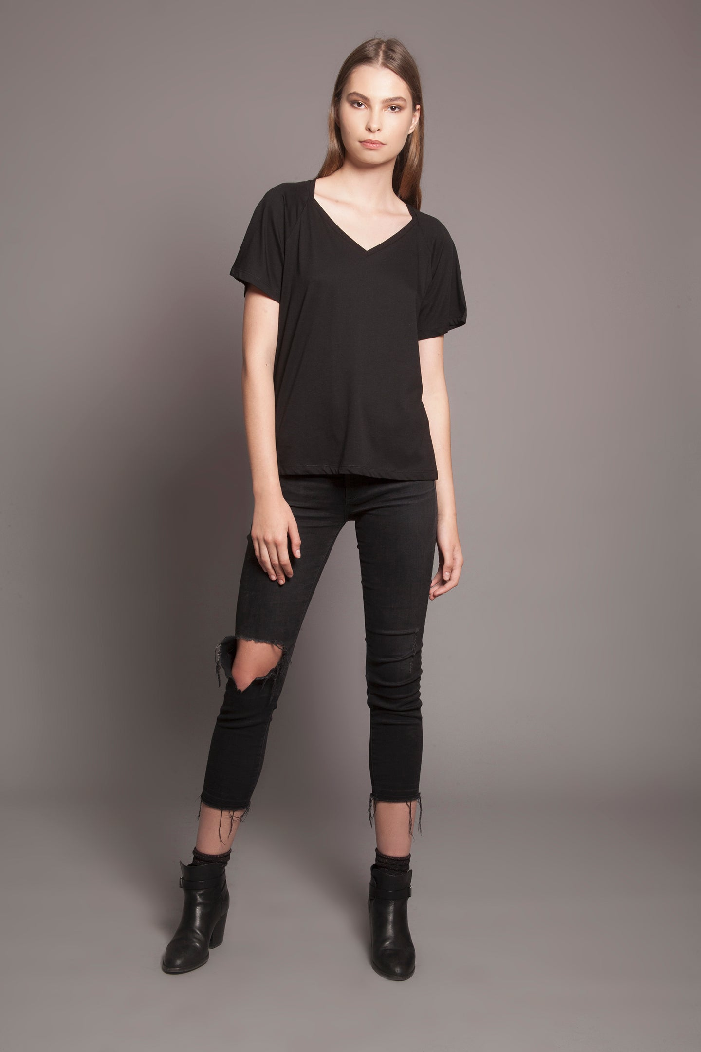 Collar Bone Tee Black